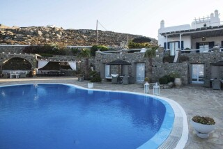 bar navy blue suites big swimming pool